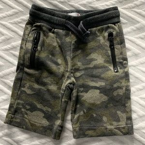 Epic Threads 2T boys shorts